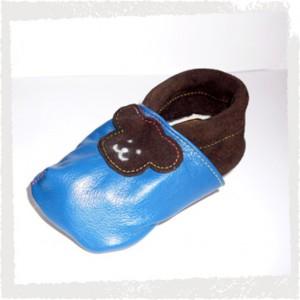 Lederpuschen blau mit braunen Bärenkopf